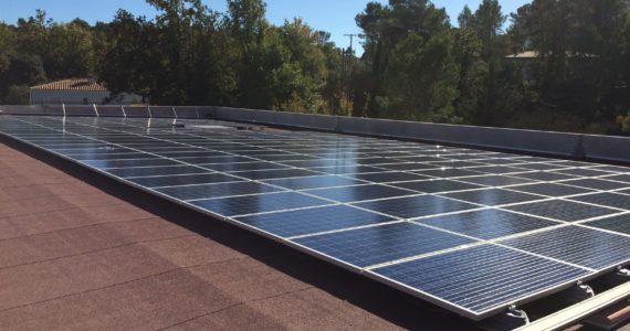 Installation photovoltaïque du Carrefour Contact de Bagnols en Foret (Var)